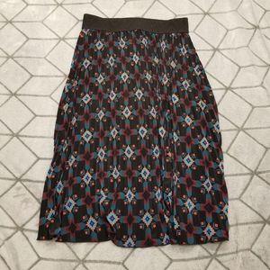C2 Lularoe Maxi Skirt Size Small Black Background.